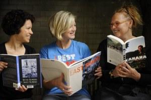 women_reading_books