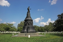 Confederate_Monument_-_W_face_-_Arlington_National_Cemetery_-_2011